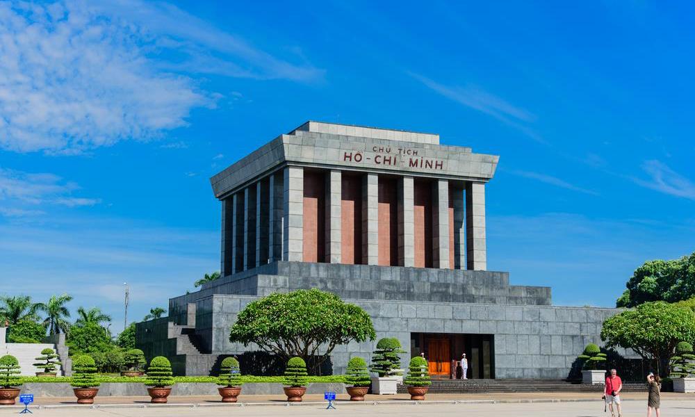 Ho-Chi-Minh-Mausoleum-4