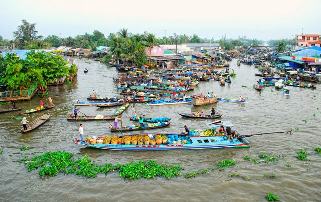 2.-Nga-Nam-floating-market-Soc-Trang